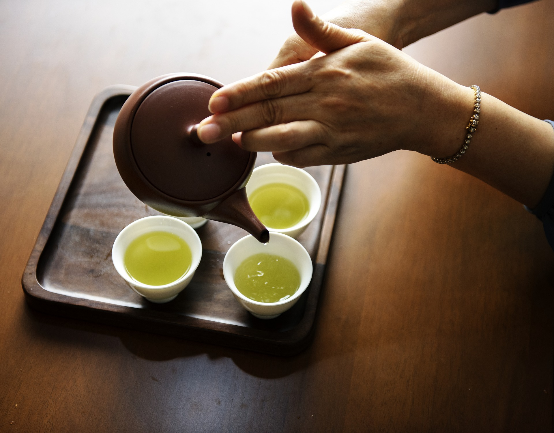 緑茶 カテキン 脂肪燃焼
