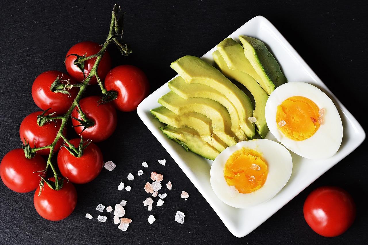 アボカド 卵 ビタミンD吸収アップ