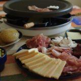 「ラクレットチーズ」は太らない?気になるカロリーや糖質とラクレットチーズの「太りにくい食べ方」とは?