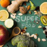 朝「顔が浮腫む」のはなぜ??夜ご飯にある物を摂ると浮腫まない!?改善できるおすすめの食材